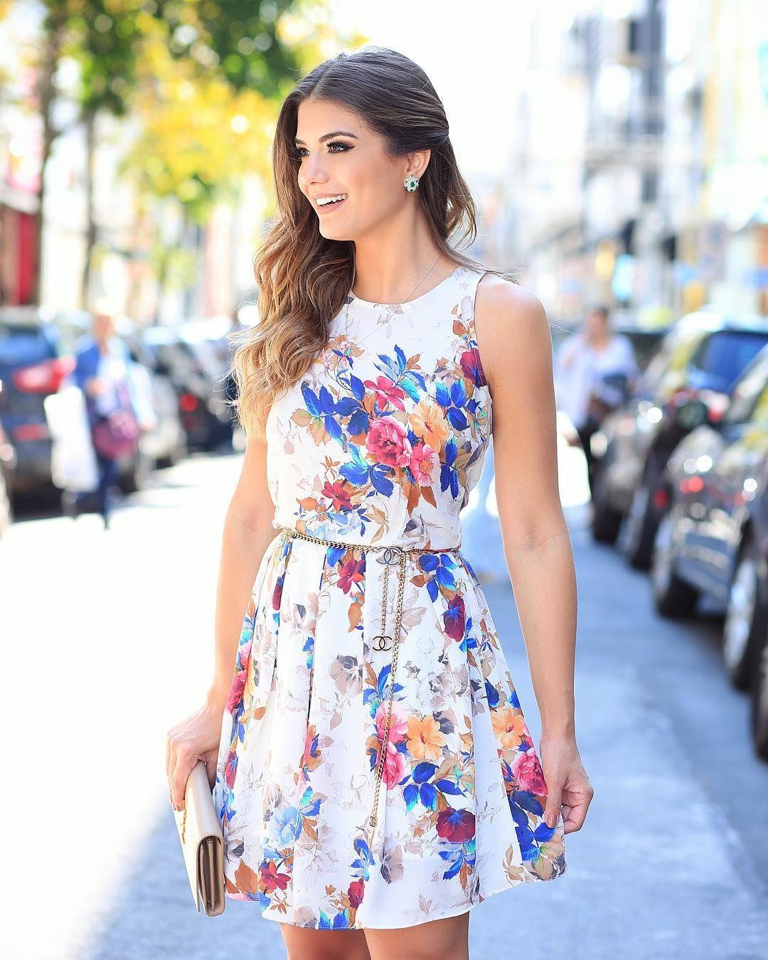 0e3d94b52 Bom dia domingo De  doceflorsp estampa linda naquele modelo de vestido que  a gente ama! ♥️