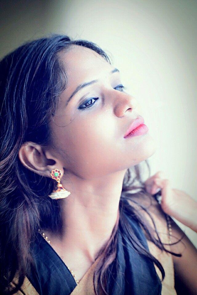 Earings makes u look beautiful..!! :) ;)