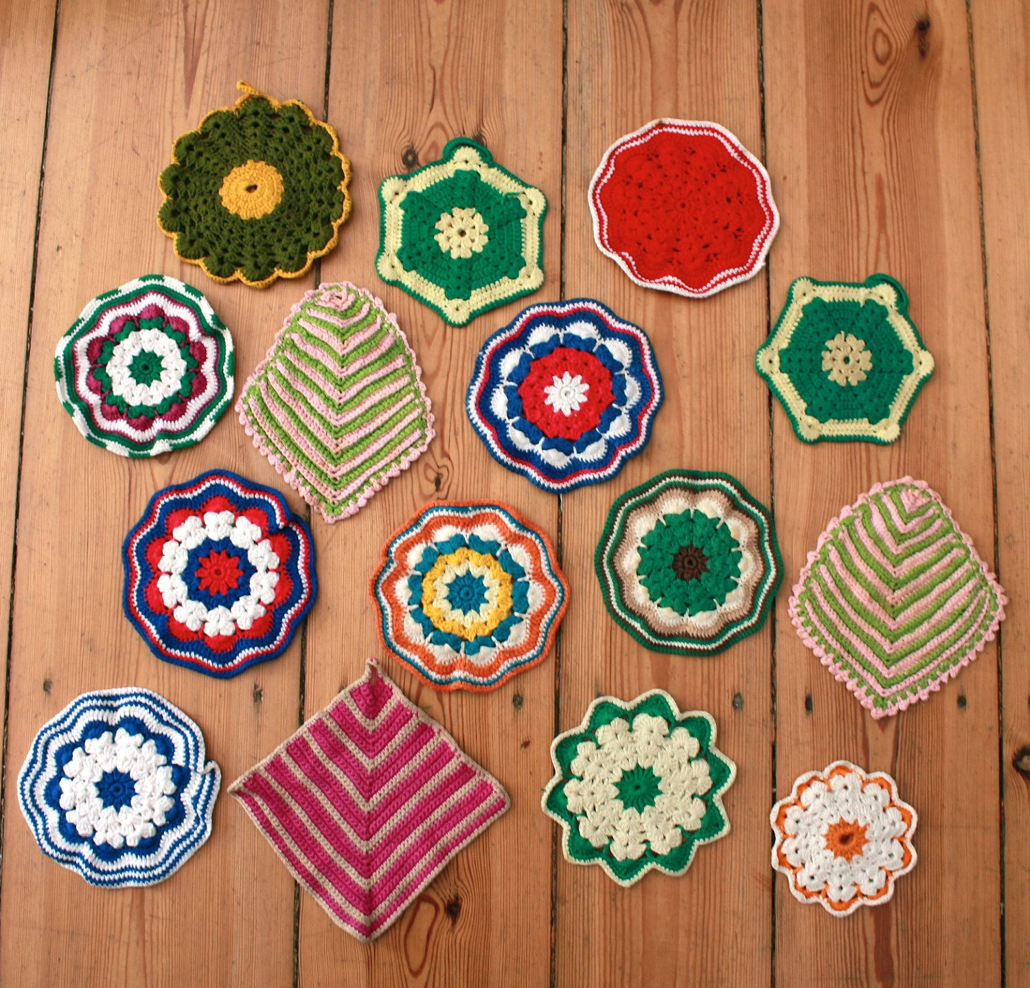 Vintage Collection of Handmade Crocheted Pot Holders. €38,00, via Etsy.