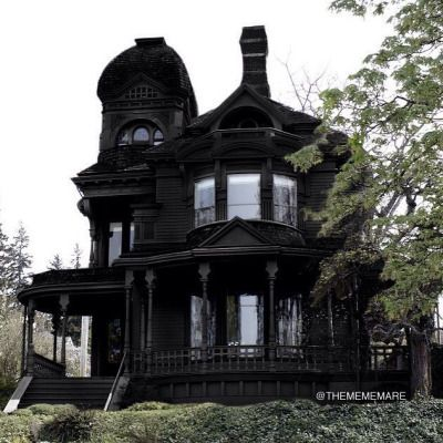 Perfect Black Exterior On A Wonderful Victorian Home Makes All Of The Details Stand Out Elegant Too
