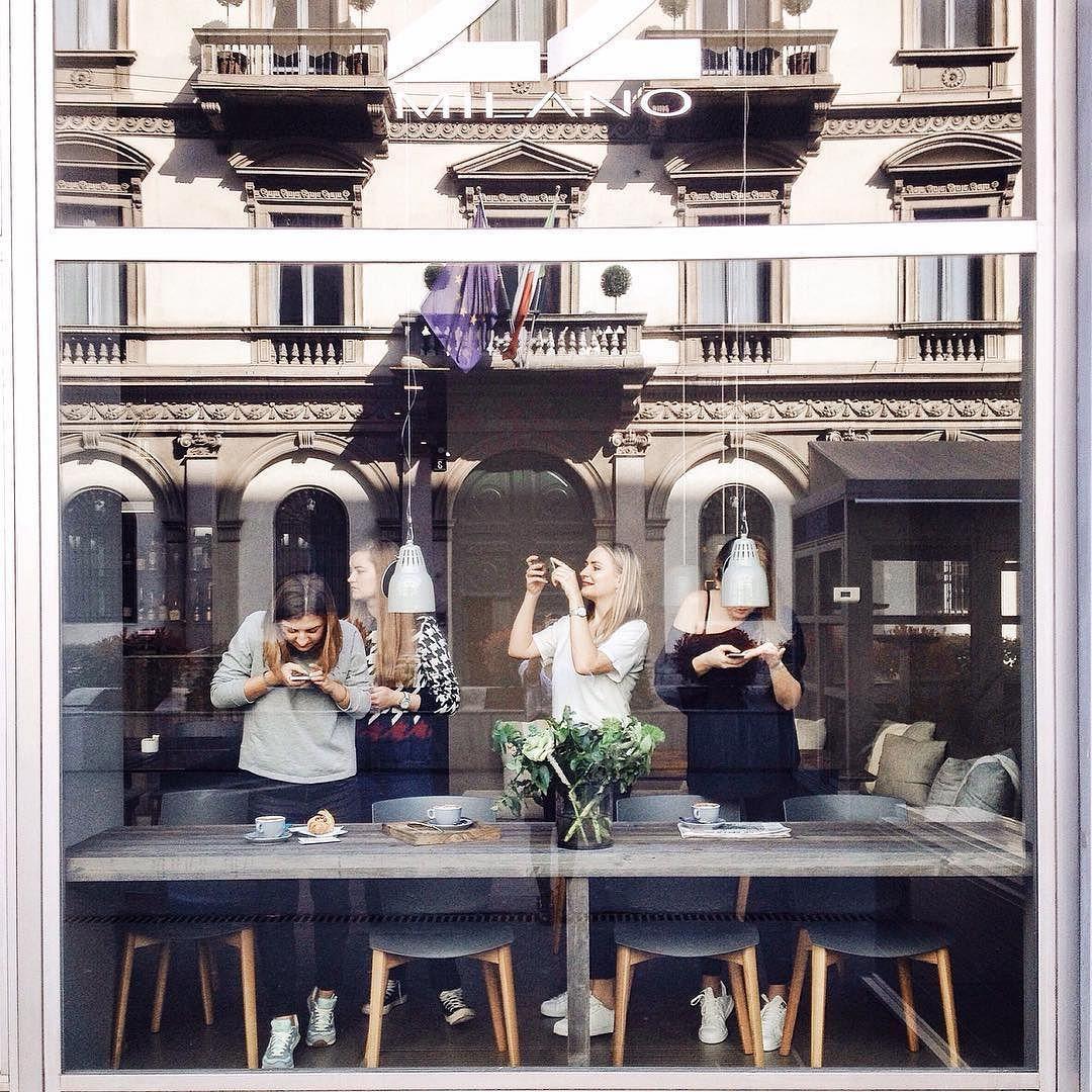 Vi mancano gli #instabreakfastworkshop al 22 Milano? Le ragazze di @mandorlab stanno pensando di organizzarne uno nelle prossime settimane. Voi cosa ne dite? by 22milanocaffe
