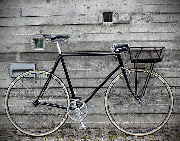 If I did ride my bike to the market, and I don't, I'd want to ride this: Urban Cycles Black Porteur