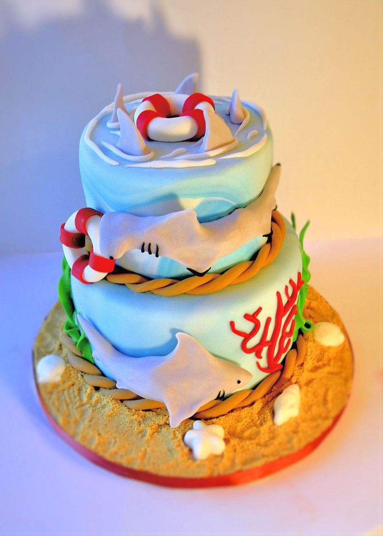 Incredible Shark Cake Hammerhead Cake Great White Cake Sarah Daliberti Funny Birthday Cards Online Kookostrdamsfinfo