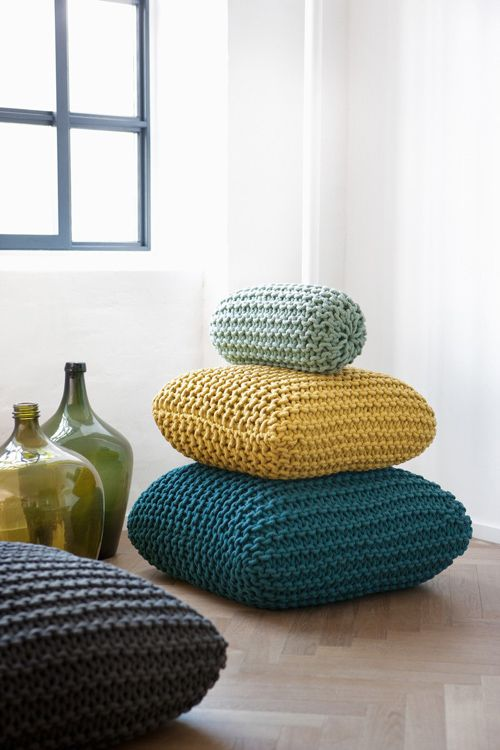 Knitted Floor Cushions...I wanna learn to knit and make these myself ...