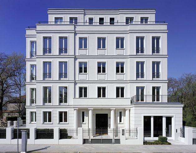 Diplomatenpark Villa in Berlin by Kahlfeldt Architekten