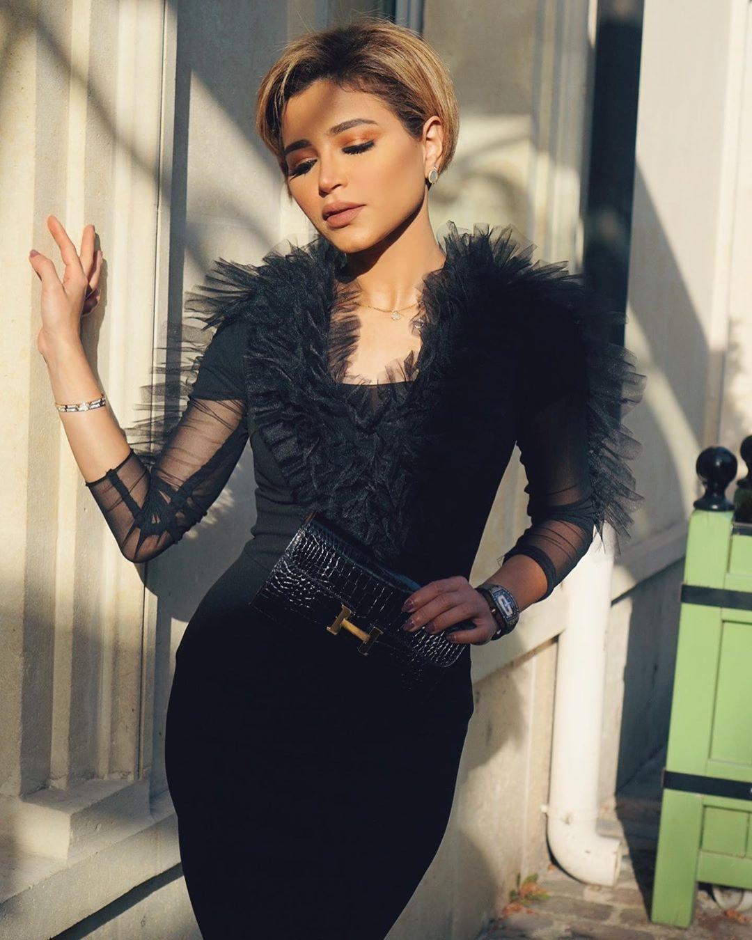 Pin By Sofijaolivera Design Team On Instagram Fashion Influencers Bodycon Dress Fashion Instagram Fashion
