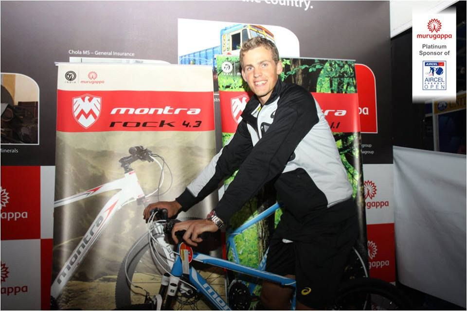 Vasek Pospisil Tries The Montra Rock At The Chennai Open 2014