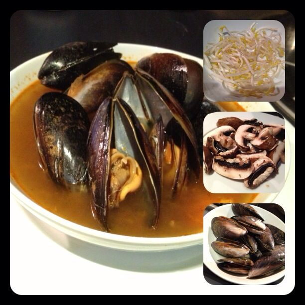 Mussels Tom Yam with mushroom and beansprouts  Recipe by