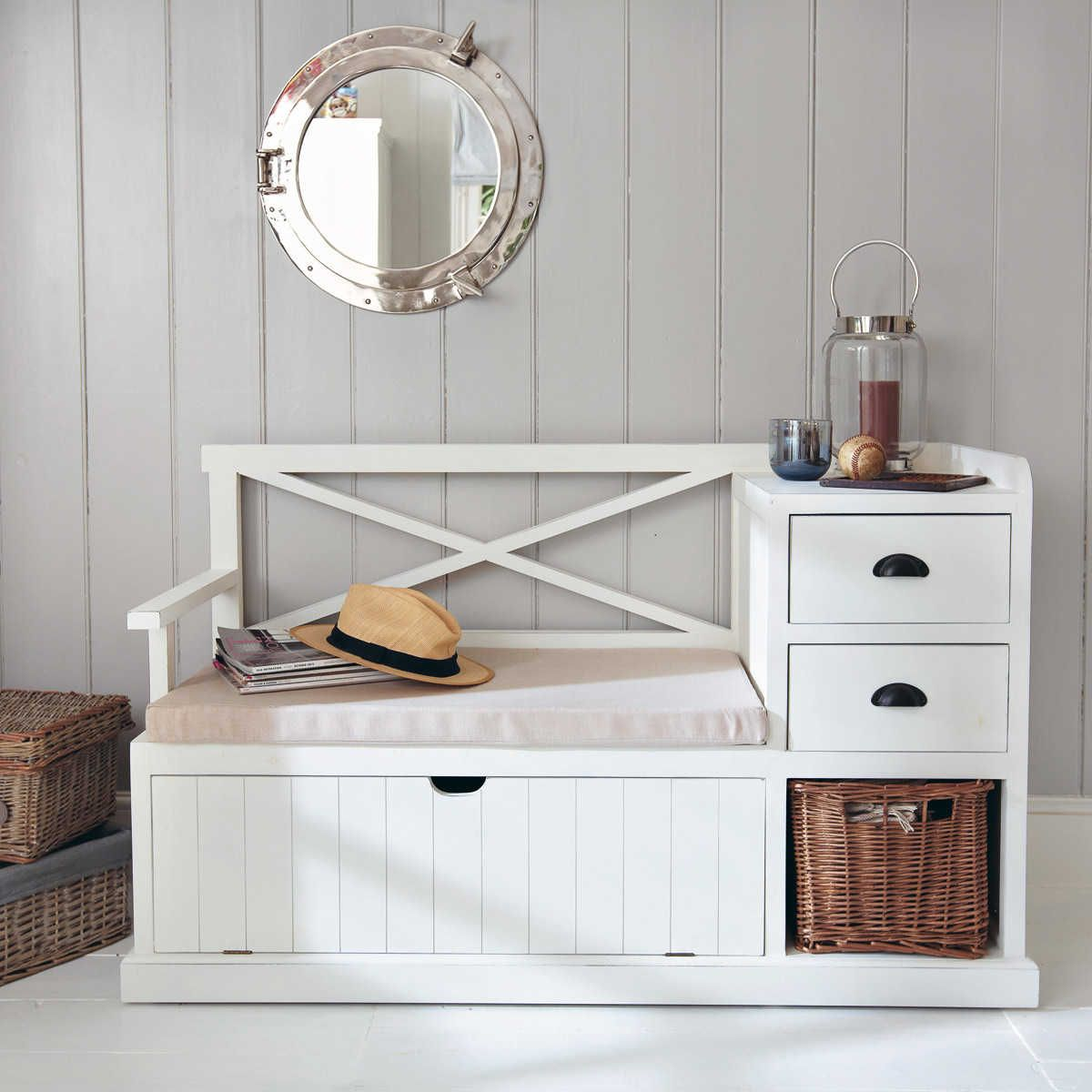 meuble d 39 entr e en bois blanc l 135 cm entr e meubles et bancs. Black Bedroom Furniture Sets. Home Design Ideas