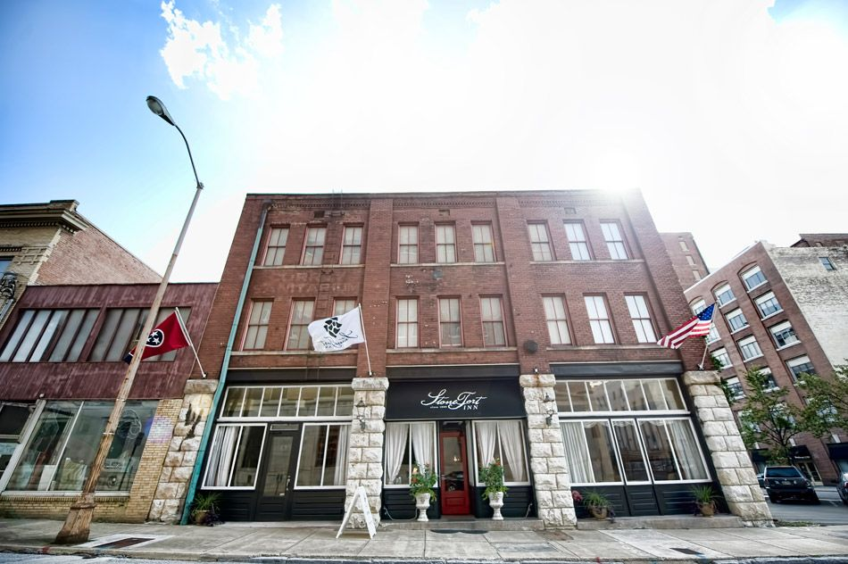 StoneFort Inn in Chattanooga Chattanooga wedding venues