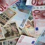 Dollar lower towards euro,Yen on fiscal cliff concern