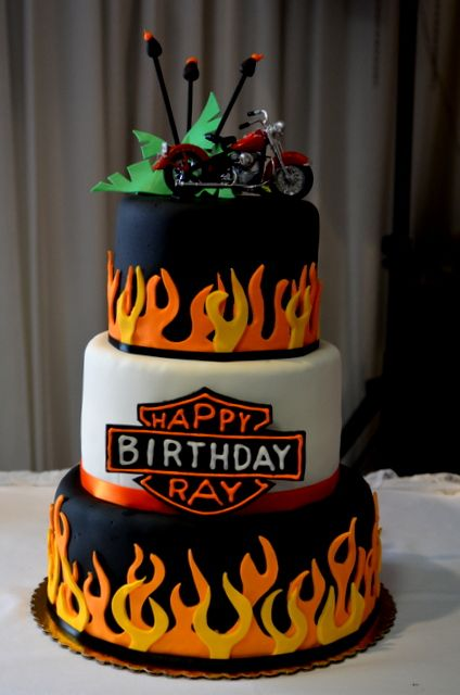 Harley Davidson Birthday Cake With Images Birthday Desserts