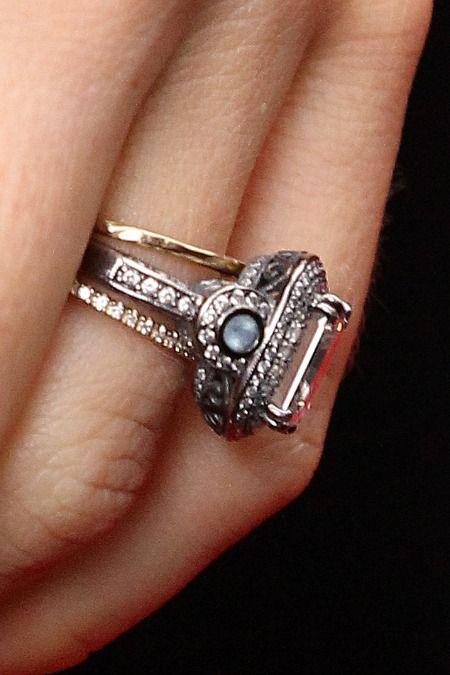 Jessica Biel S Wedding Ring It Looks Like She Got Two Plus A