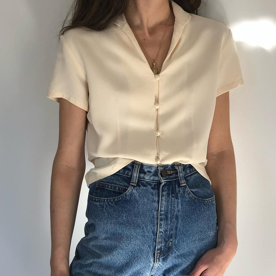 b5e7055d928 Vintage sweet cream silk short sleeve blouse with unique knotted buttons.  Size xs  42 +