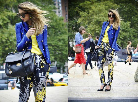 Blue and Yellow (by Nicoletta Reggio)