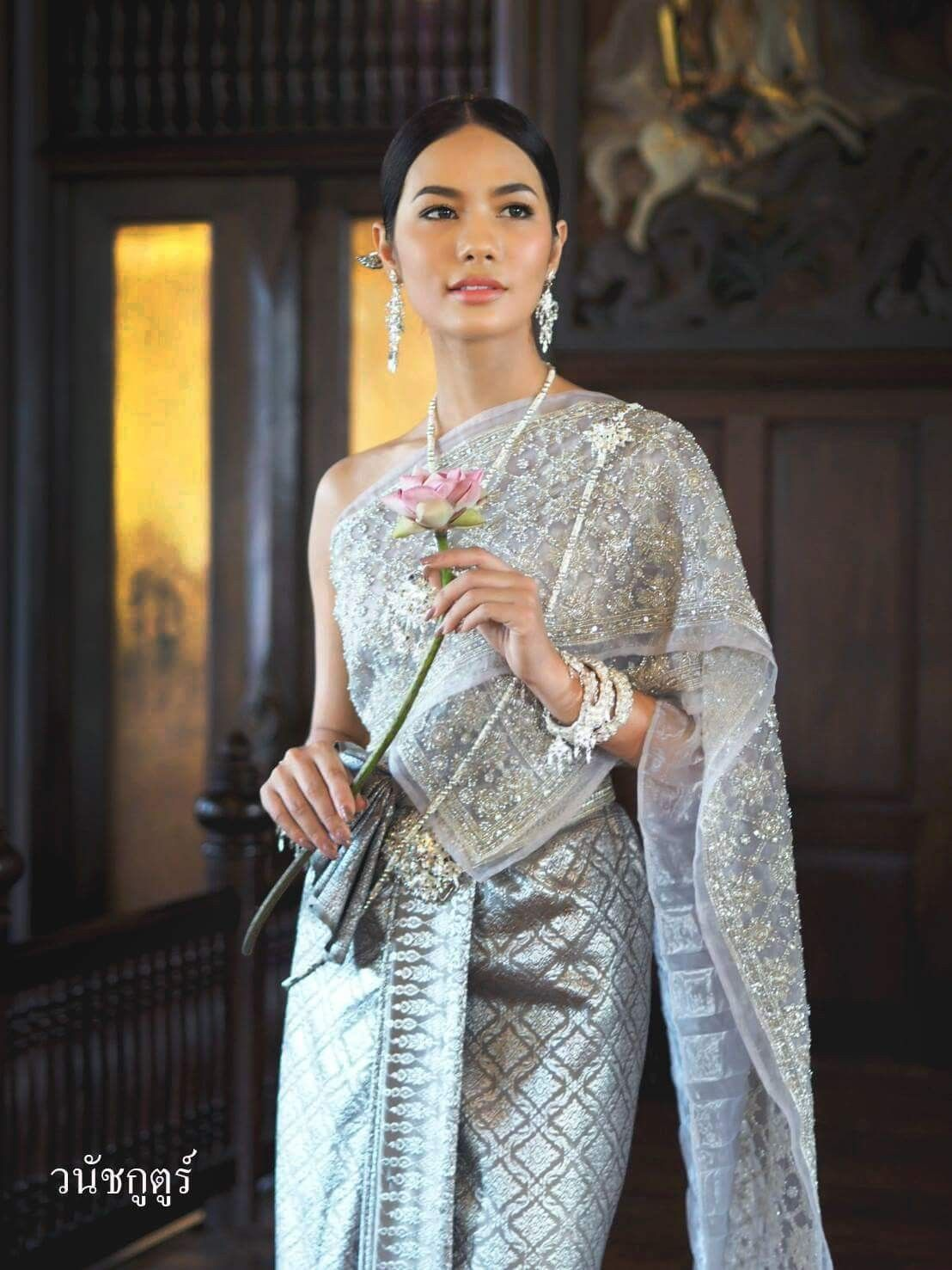 Pin by Ice-Yaa Benedicita on SIAM DRESS : MOVIE/TV SERIES/WEDDING ...
