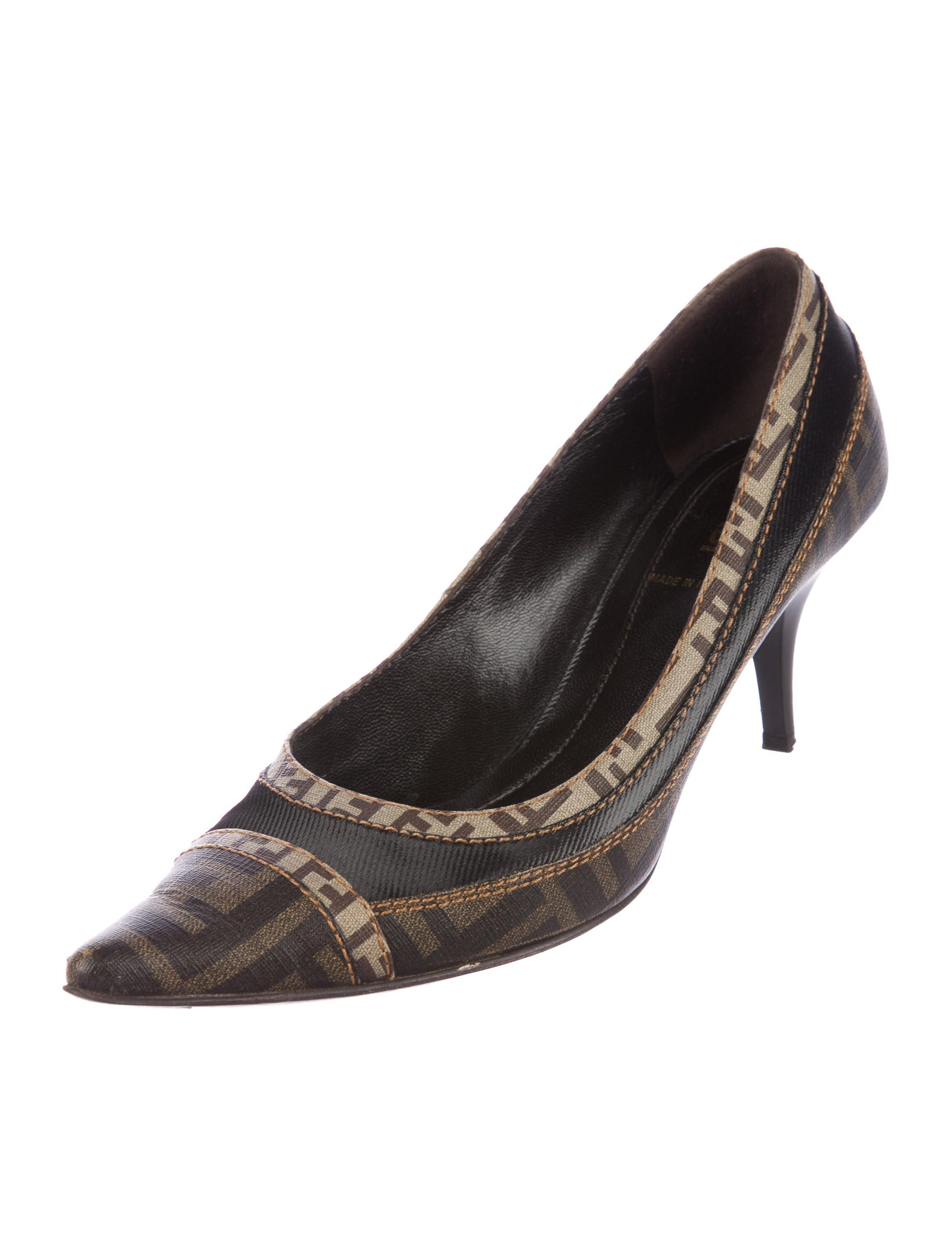 29b2ecf90f Zucca Pointed-Toe Pumps | Made for Walking | Pointed toe pumps, Pump ...