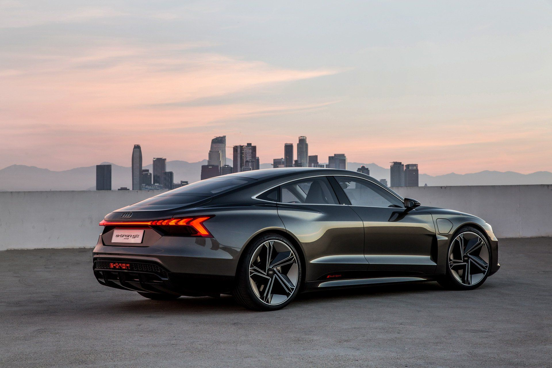 Audi E Tron Gt Is An Electrifying Super Sedan That S Coming In 2020 Carscoops Audi E Tron E Tron Electric Sports Car