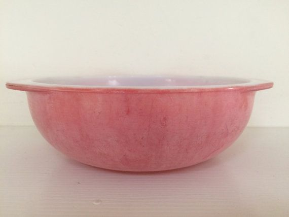 Faded Red Pyrex Mixing Bowl | Vintage pyrex, Mixing bowls and Pyrex
