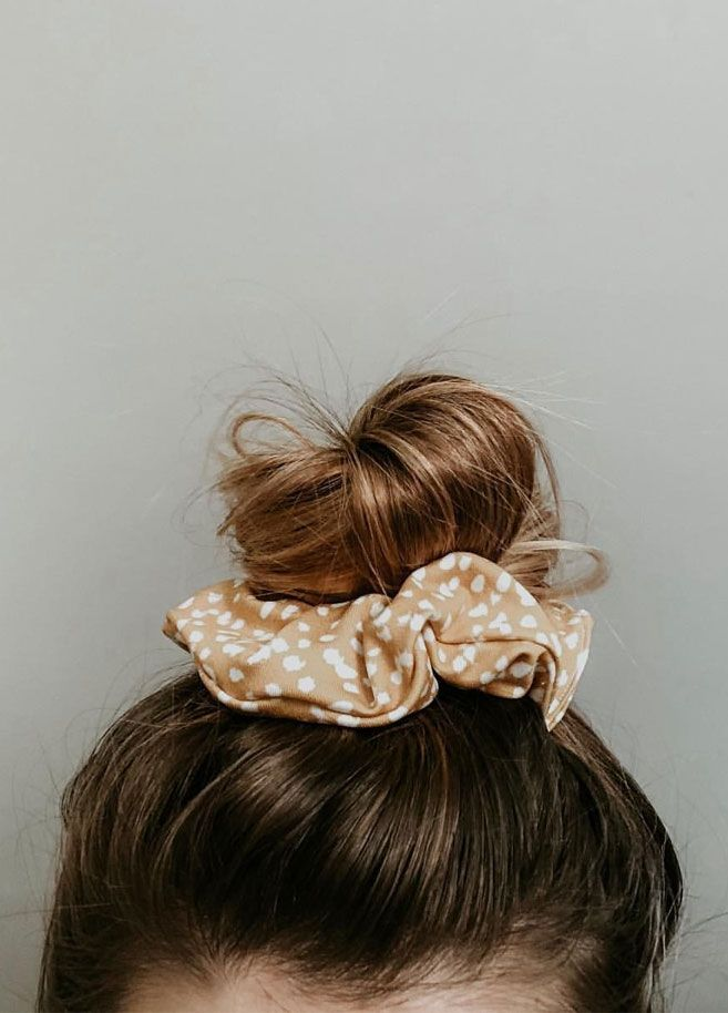 15 Scrunchie Hairstyles How To Wear A Scrunchie Scrunchie Bun Scrunchies Scrunchie Hairstyles Curly Scrunchie Hairstyles Diy Hairstyles Curly Hair Styles