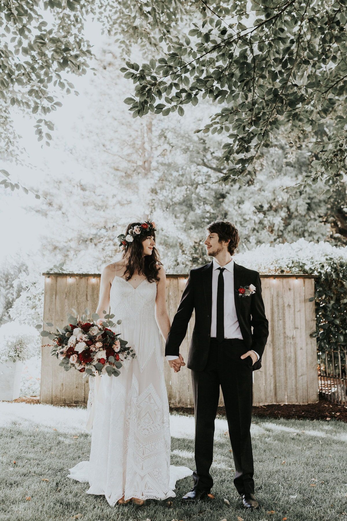 Lush Fall Wedding Inspiration With Macrame And Pumpkin Details Love Inc Mag Red Wedding Dresses Black Wedding Dresses Wedding Dresses Hippie [ 1800 x 1200 Pixel ]