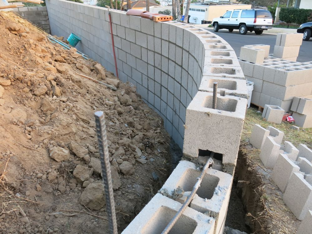 how to build a concrete block wall part 2 concrete on construction of walls id=40407
