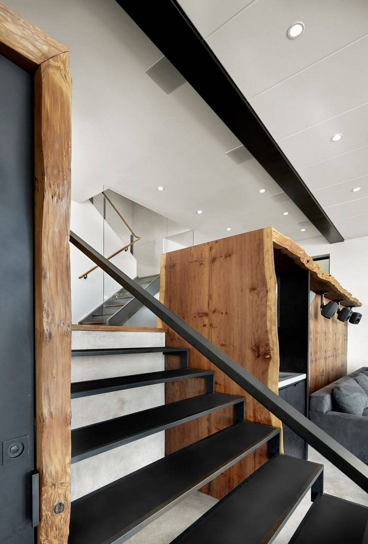 Massivholz Elemente Stahltreppe Schwarz Ohne Setzstufen #dreamhouse #wood