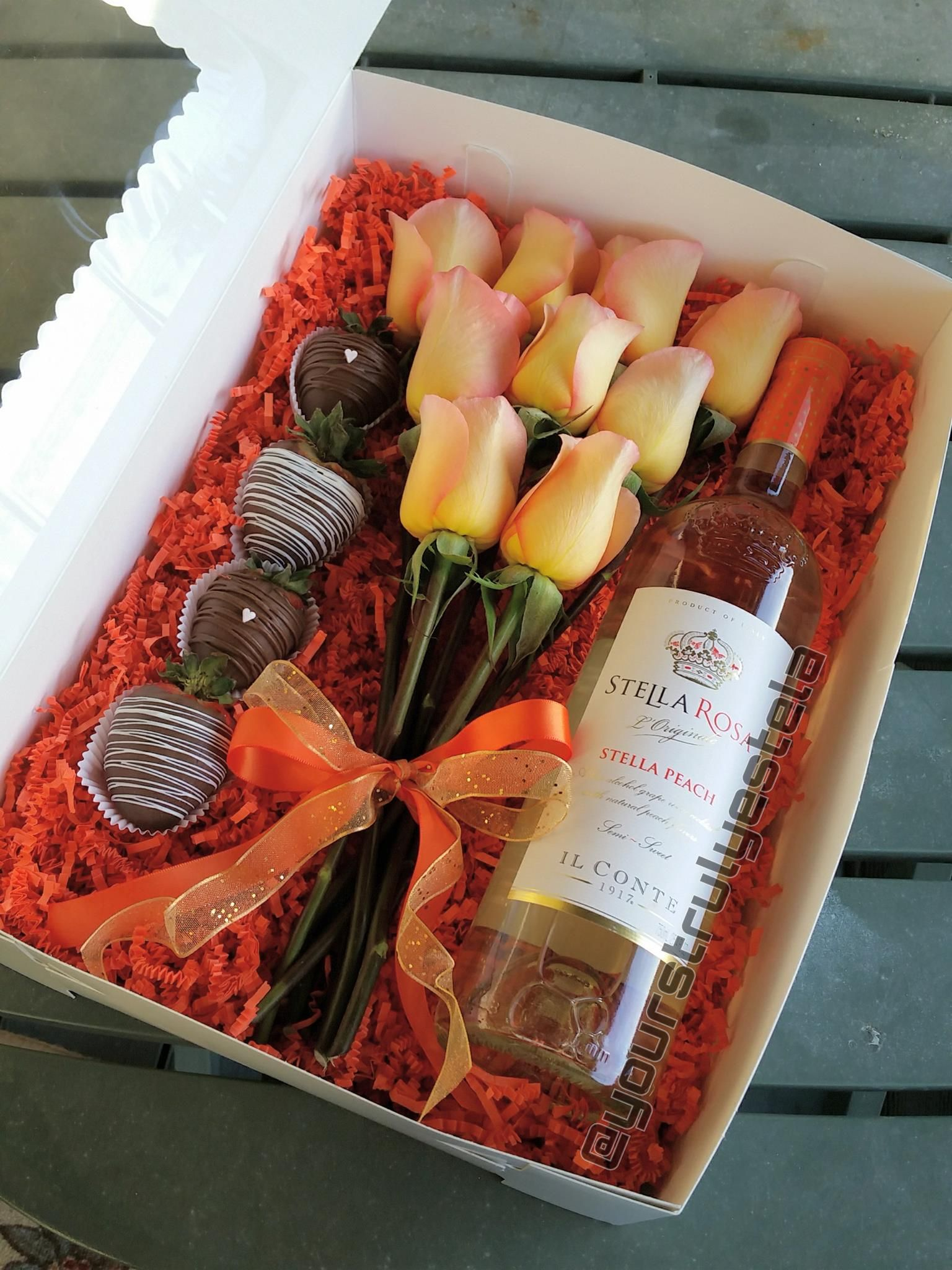 Perfectly Peach Strawberry Gifts Flower Box Gift Edible Arrangements
