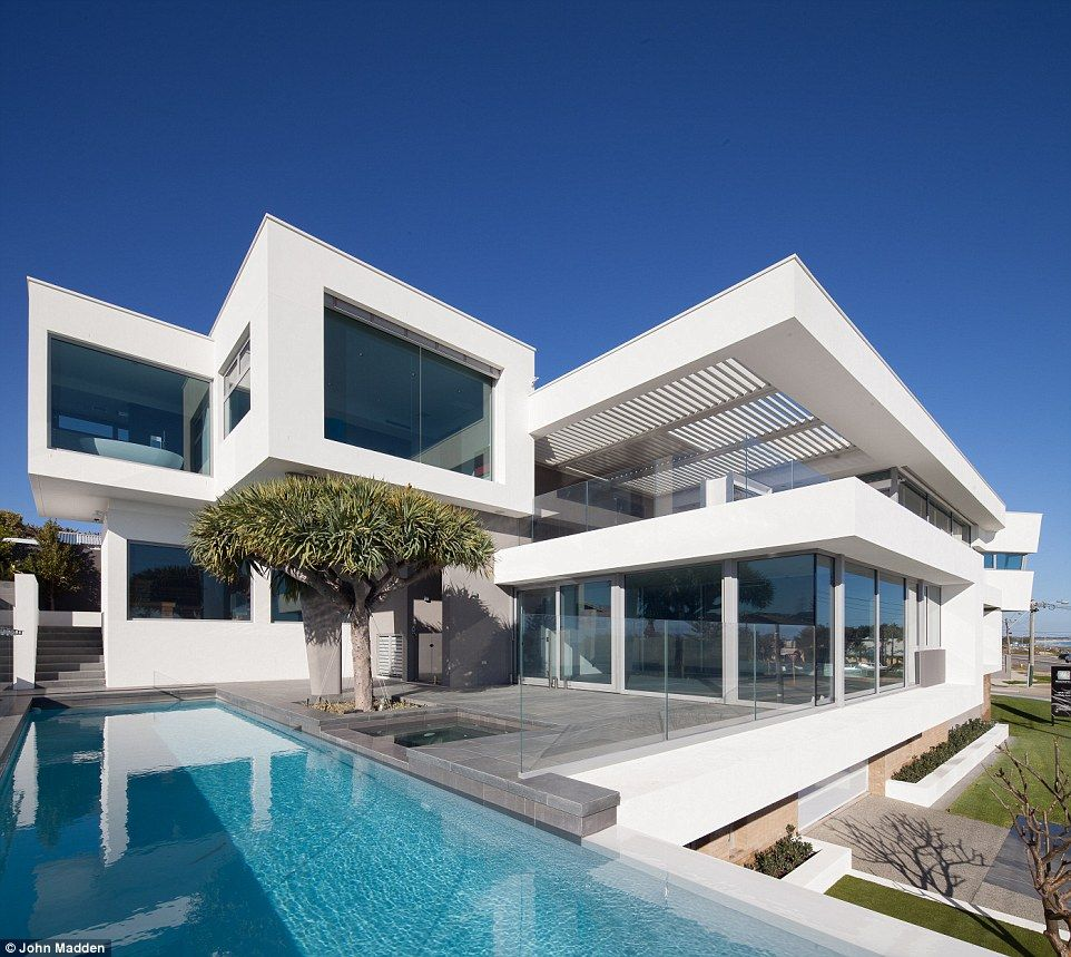 The Top Ten Homes Vying To Be Named Best In Australia Beachfront House Cool House Designs House Exterior