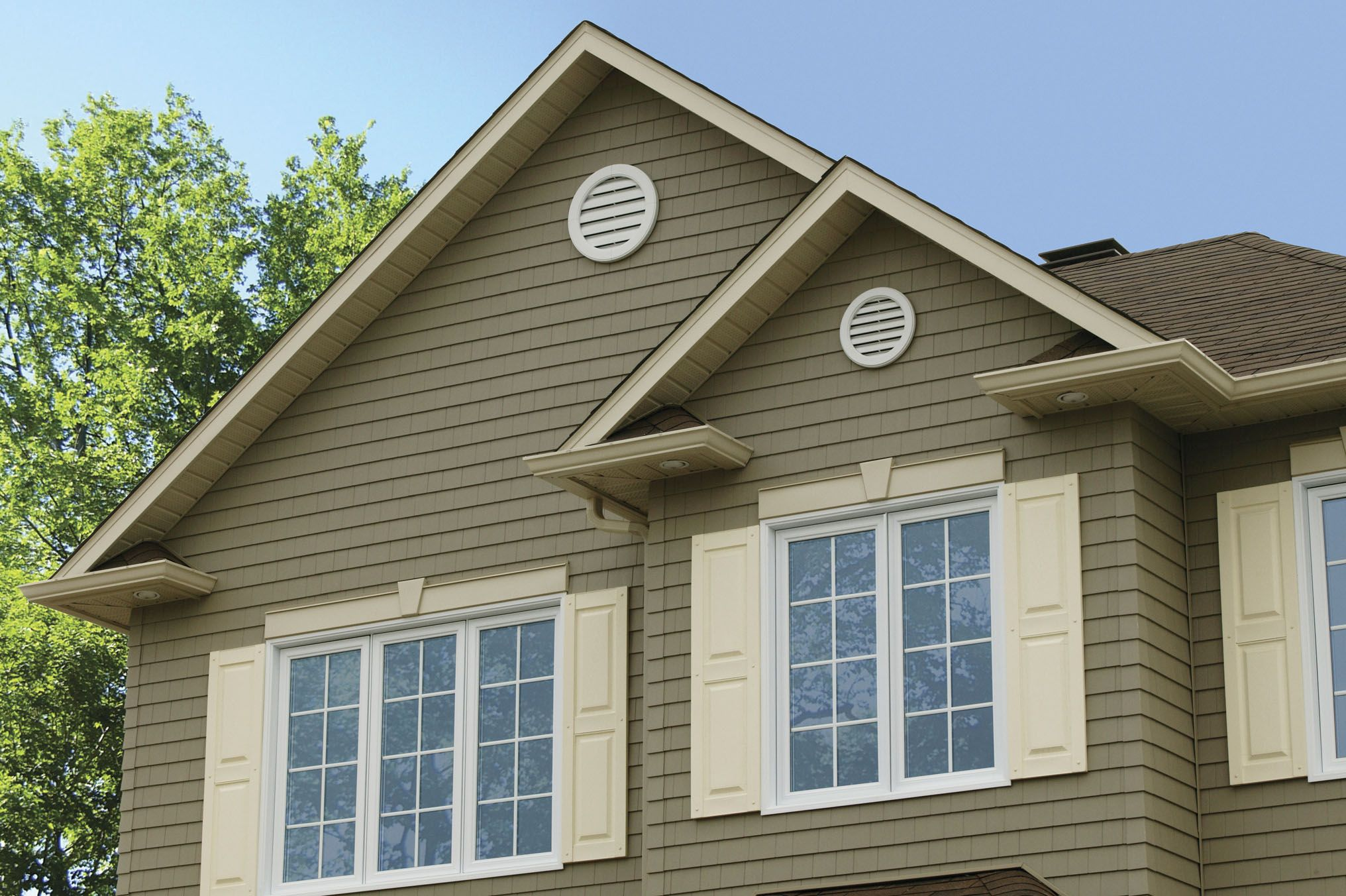 Perfect Shake Specialty Siding Pebble With Almond Trim