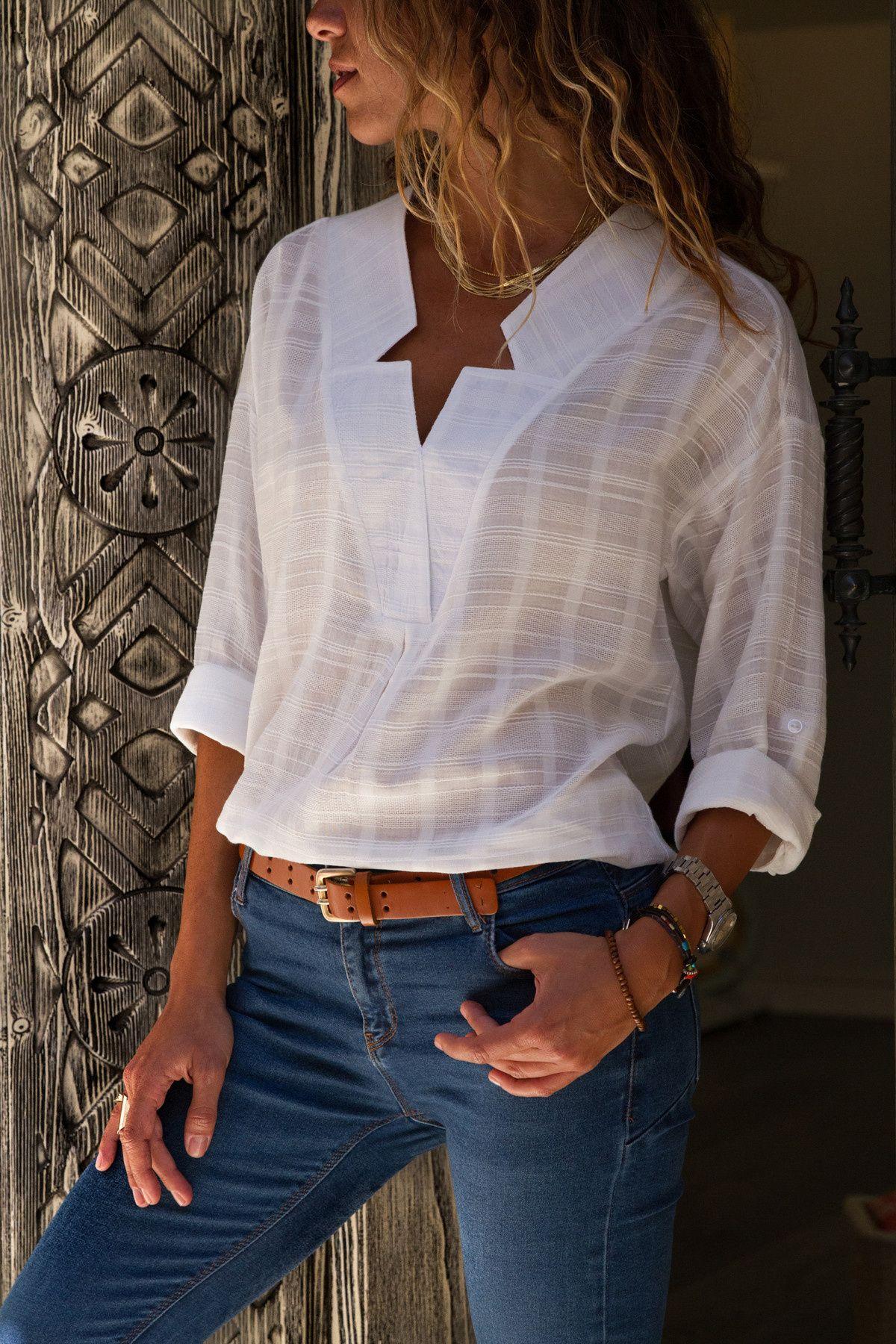 Kadin Ekru Yaka Detayli Bluz Trend Alacati Stili Trendyol Kadin Olmak Bluz Trendler