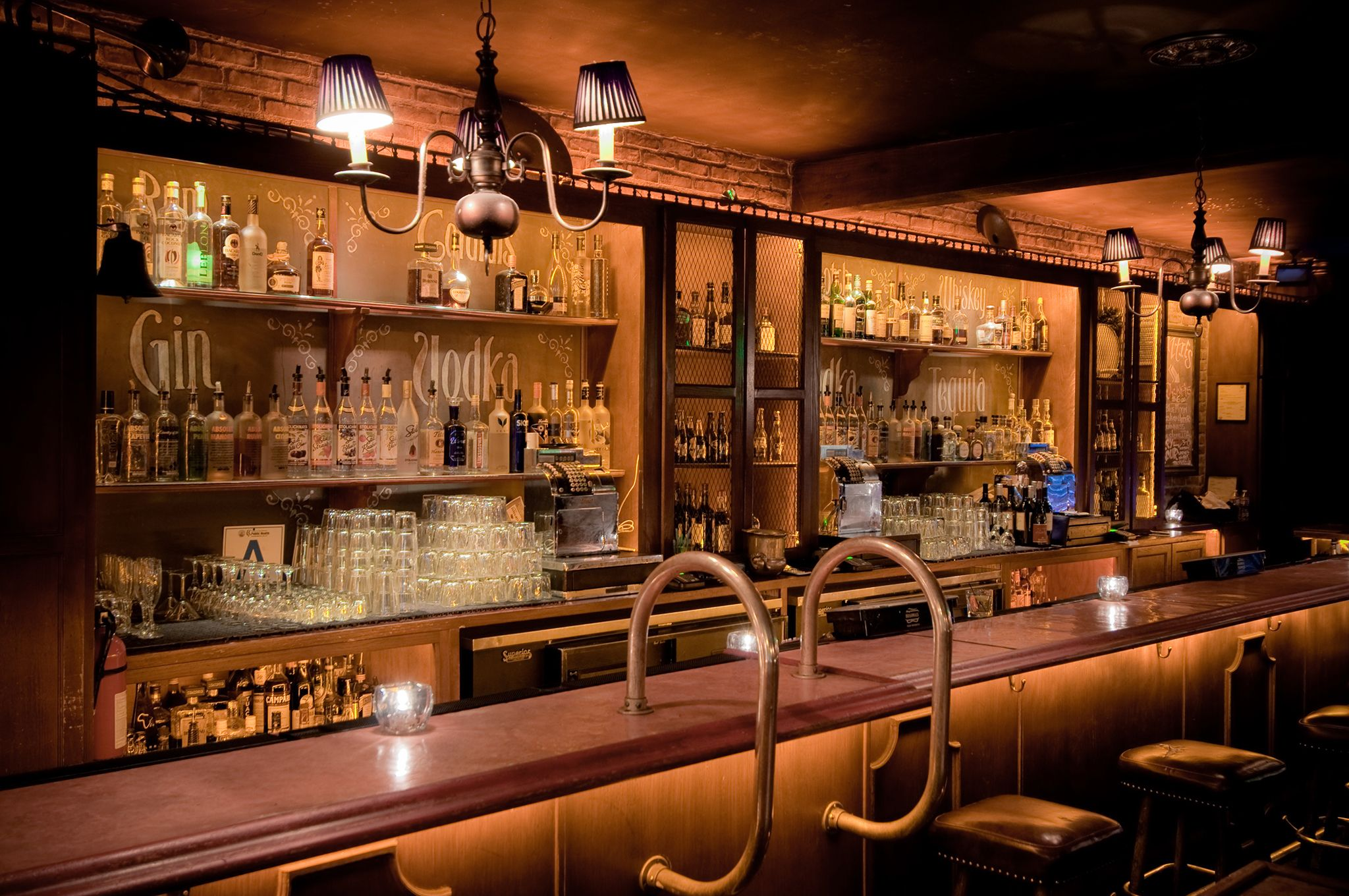 Superbe From Dive Bars To Cocktail Bars, Check Out The Best Bars In Hollywood With  A Night Spent At Tinseltownu0027s Top Watering Holes.