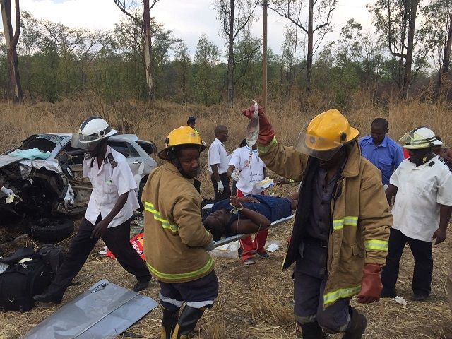 One dies, four injured in MSU crash - Chronicle - http://zimbabwe-consolidated-news.com/2016/11/08/one-dies-four-injured-in-msu-crash-chronicle/