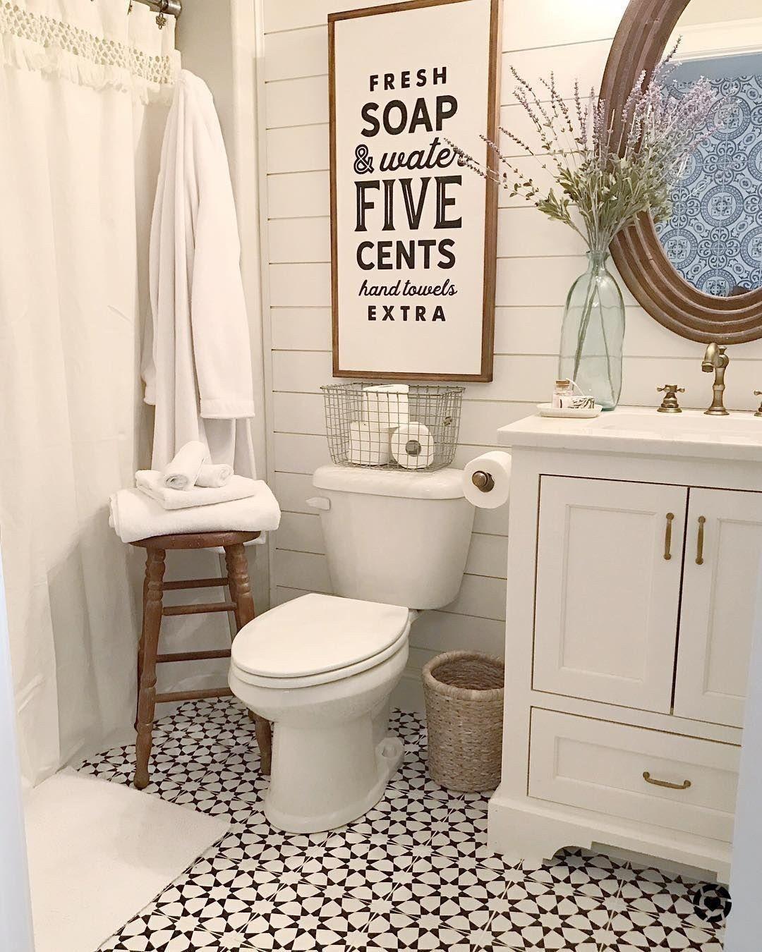 30 Stunning Modern Farmhouse Bathroom Decor Ideas - rengusuk.com