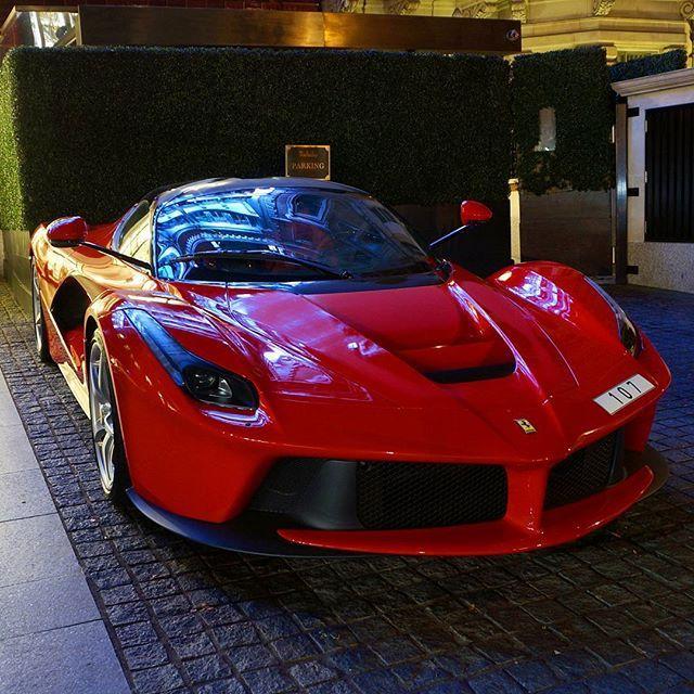 #ferrari #laferrari #ferrarilaferrari in #London #sloanestreet #supercabrio #supercars #supercar #exoticcar #exoticcars #caroftheday #instacar #instacars #carinstagram #exoticcar #exoticcars #londonspots #londoncars #arabcars #car #cars