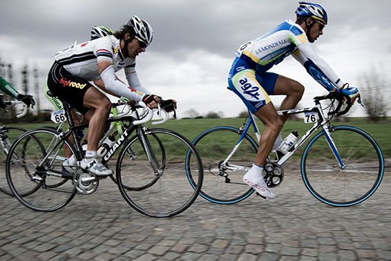You're Sitting in the Wrong Place http://www.bicycling.com/training/injury-prevention/7-ways-youre-hurting-your-knees/slide/3