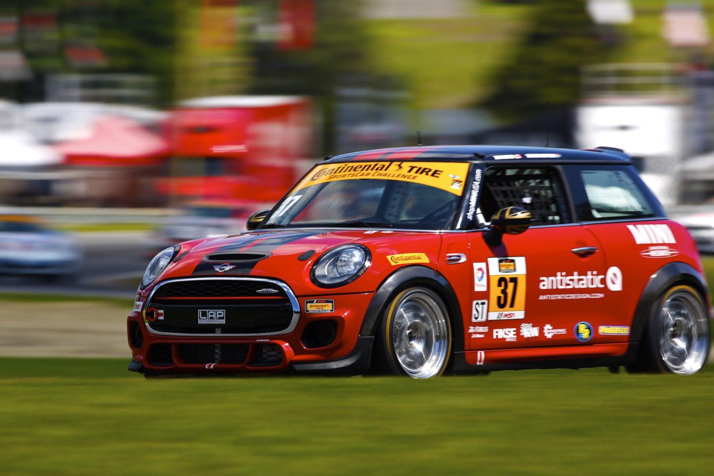 Mini Race Photos And Media Mini John Cooper Works Racing Team ミニ 車