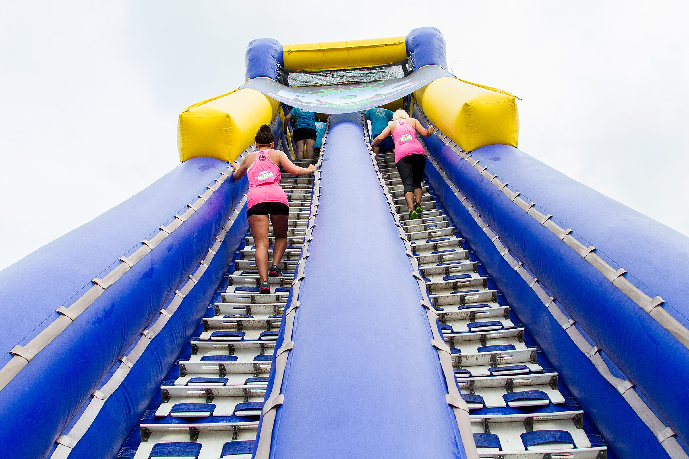 Tallest inflatable water slide in the world rocrace - Tallest swimming pool in the world ...