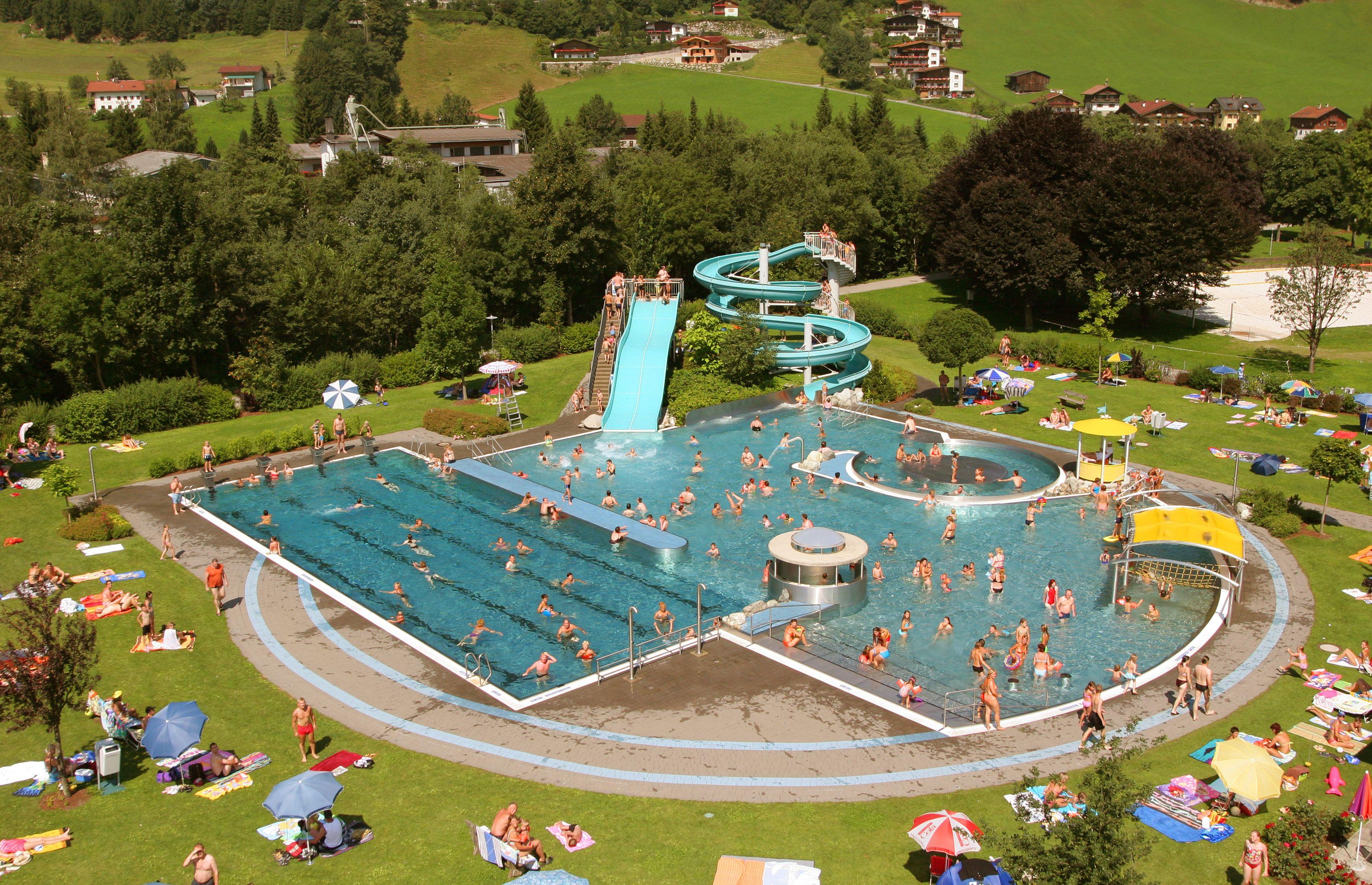 Schwimmbad Zell am Ziller Swimming in Zillertal Pinterest