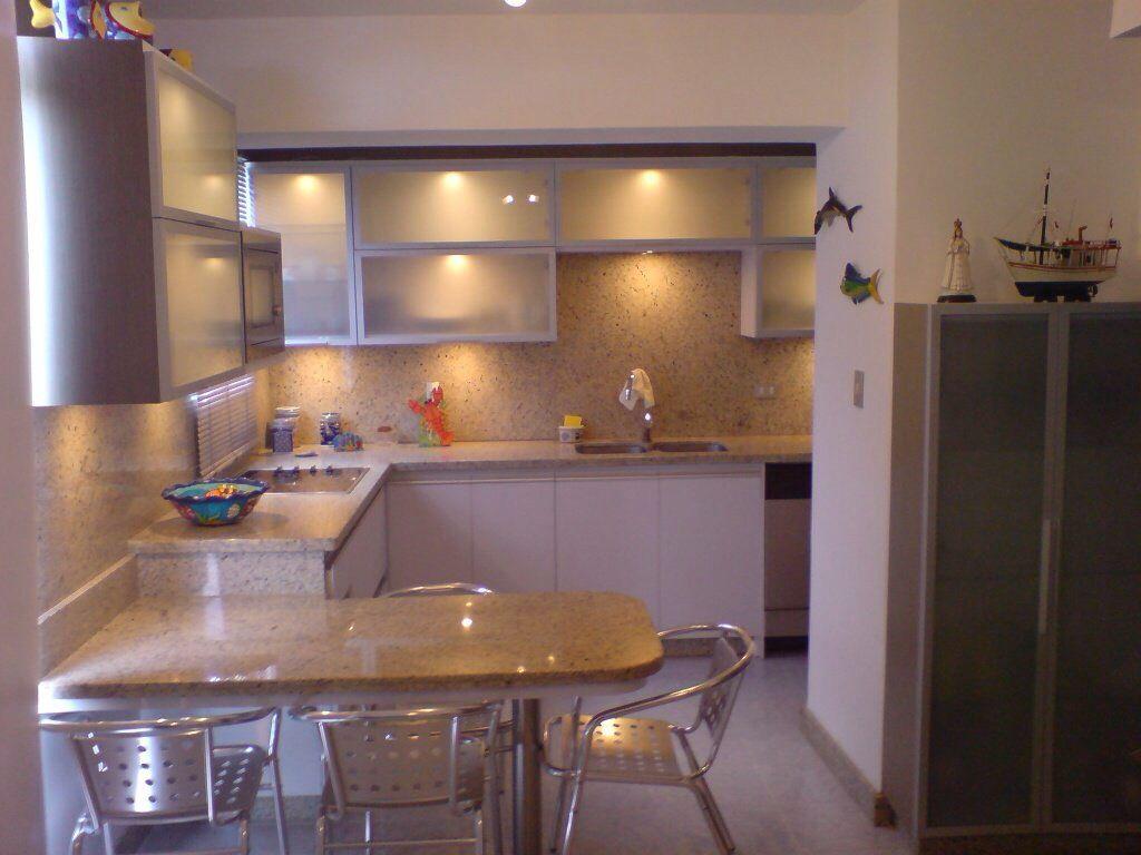 Cocina pequeña y mesa de desayuno | my kitchen | Pinterest | Cocina ...