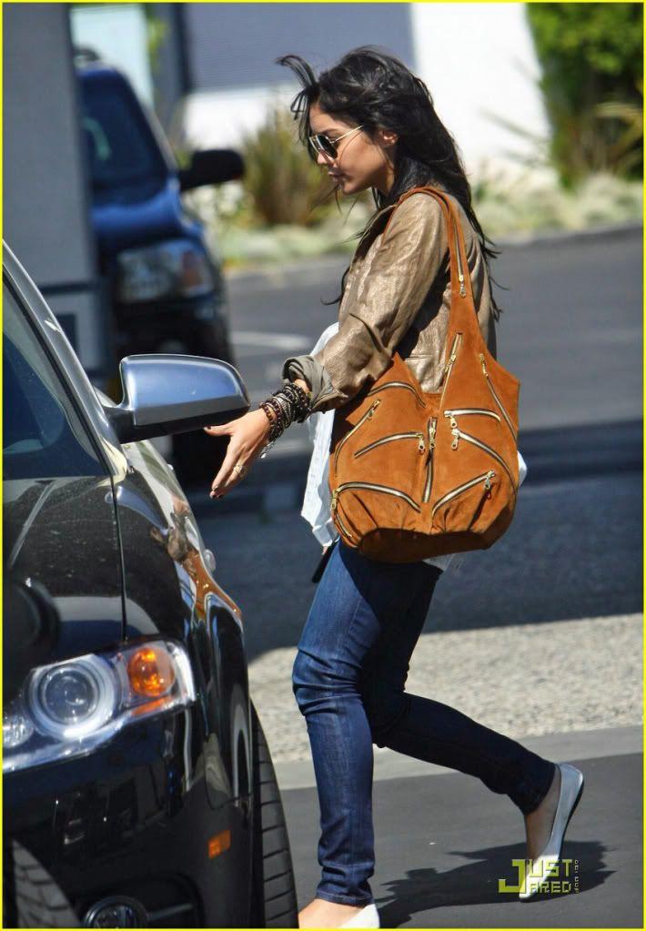 Jj Winters Multi Zipper Bag Style 280 As Shown On Vanessa Hudgens Halle Berry