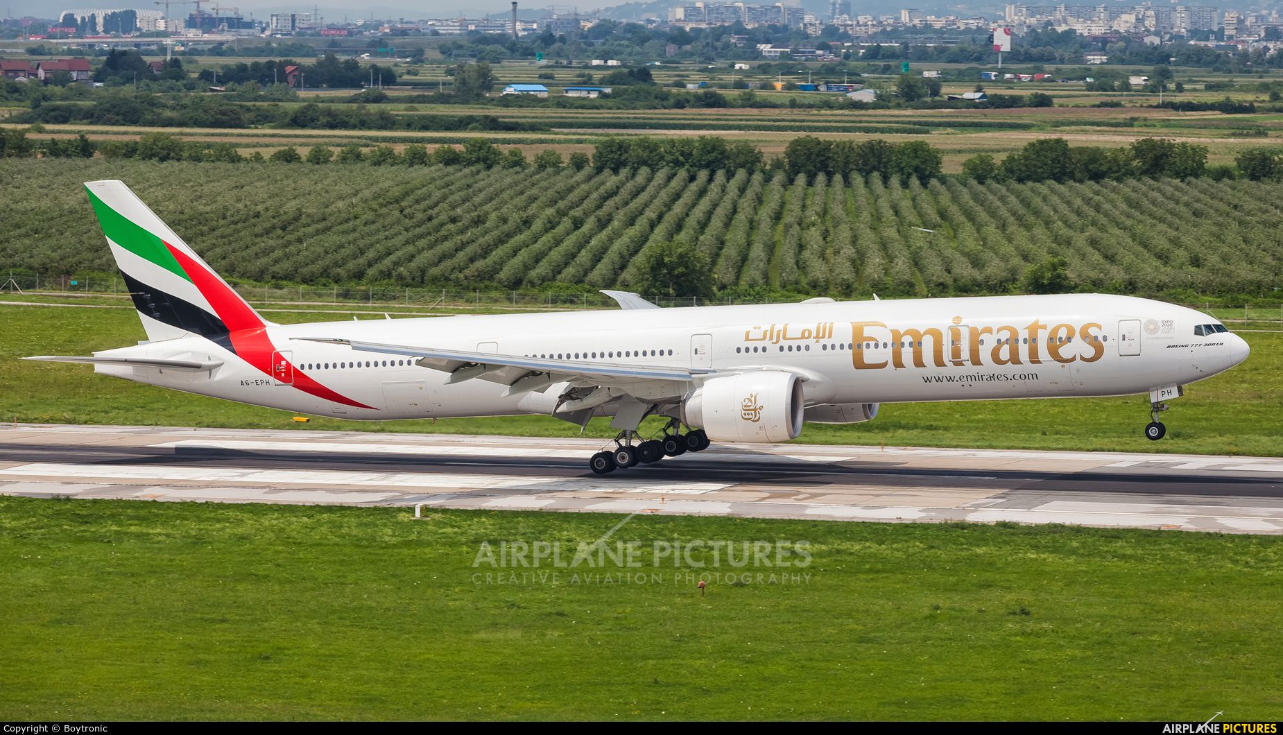 Emirates Airlines A6 Eph Aircraft At Zagreb Photo Emirates Airline Boeing Boeing 777