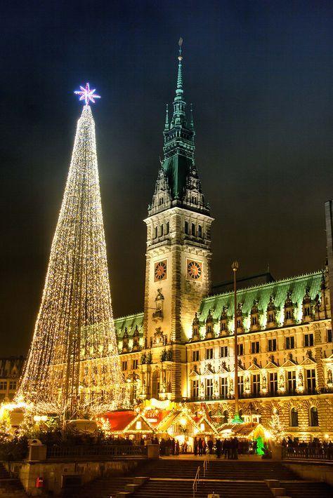 Hh Weihnachtsmarkt 2019.Rathausmarkt In Hamburg Zur Weihnachtszeit Germany Hamburg In