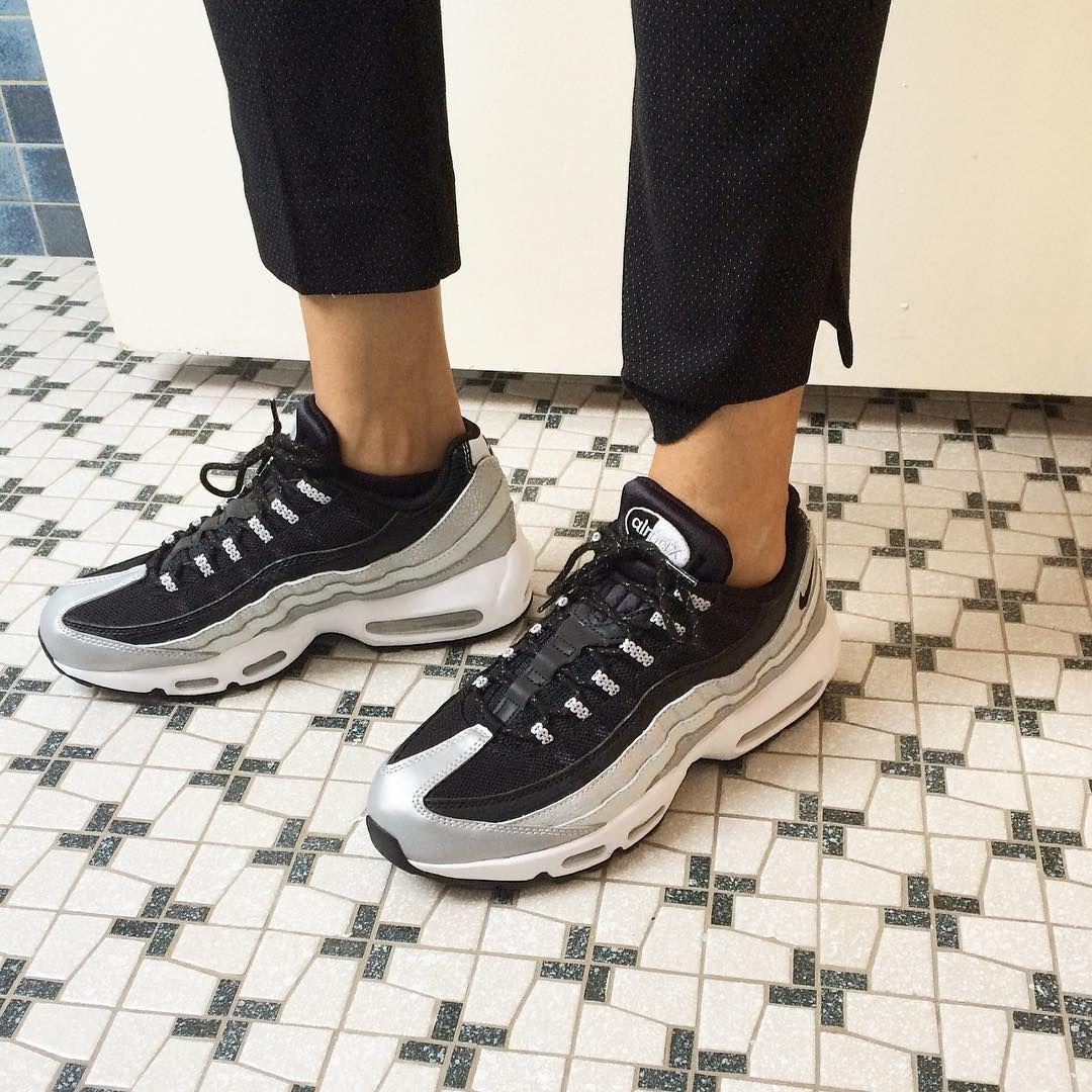 """Amelia on in 2019 Trampki Nike, Nike Shoes Outlet """"title ="""" Amelia włączona w 2019 roku Sneakers nike, Nike shoes outlet"""