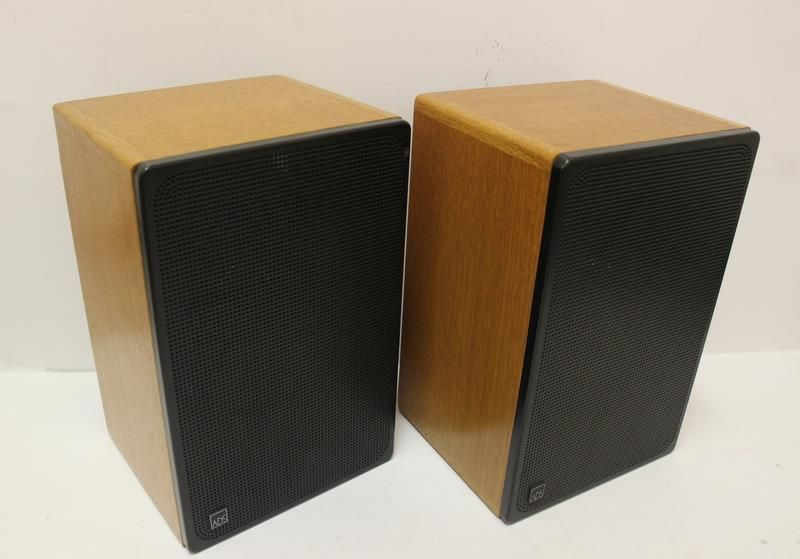 Pair Vintage ADS L400 Bookshelf Speakers 4 Ohm High Fidelity Bookshelves