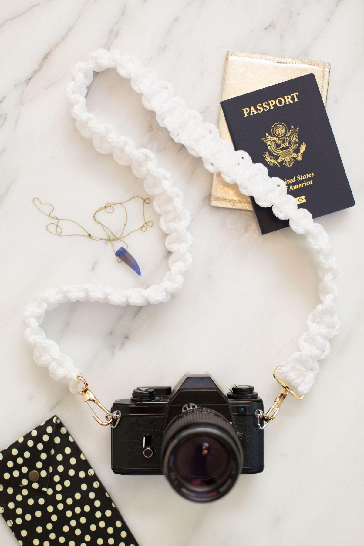 DIY: macrame camera strap