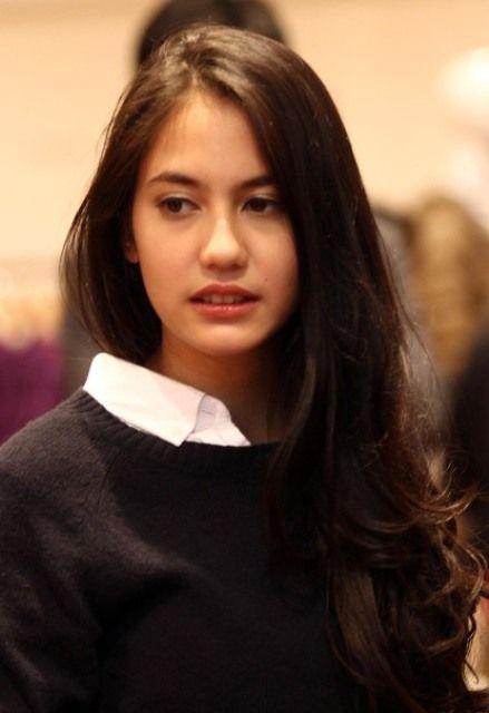 profil dan biografi pevita pearce artis cantik indonesia