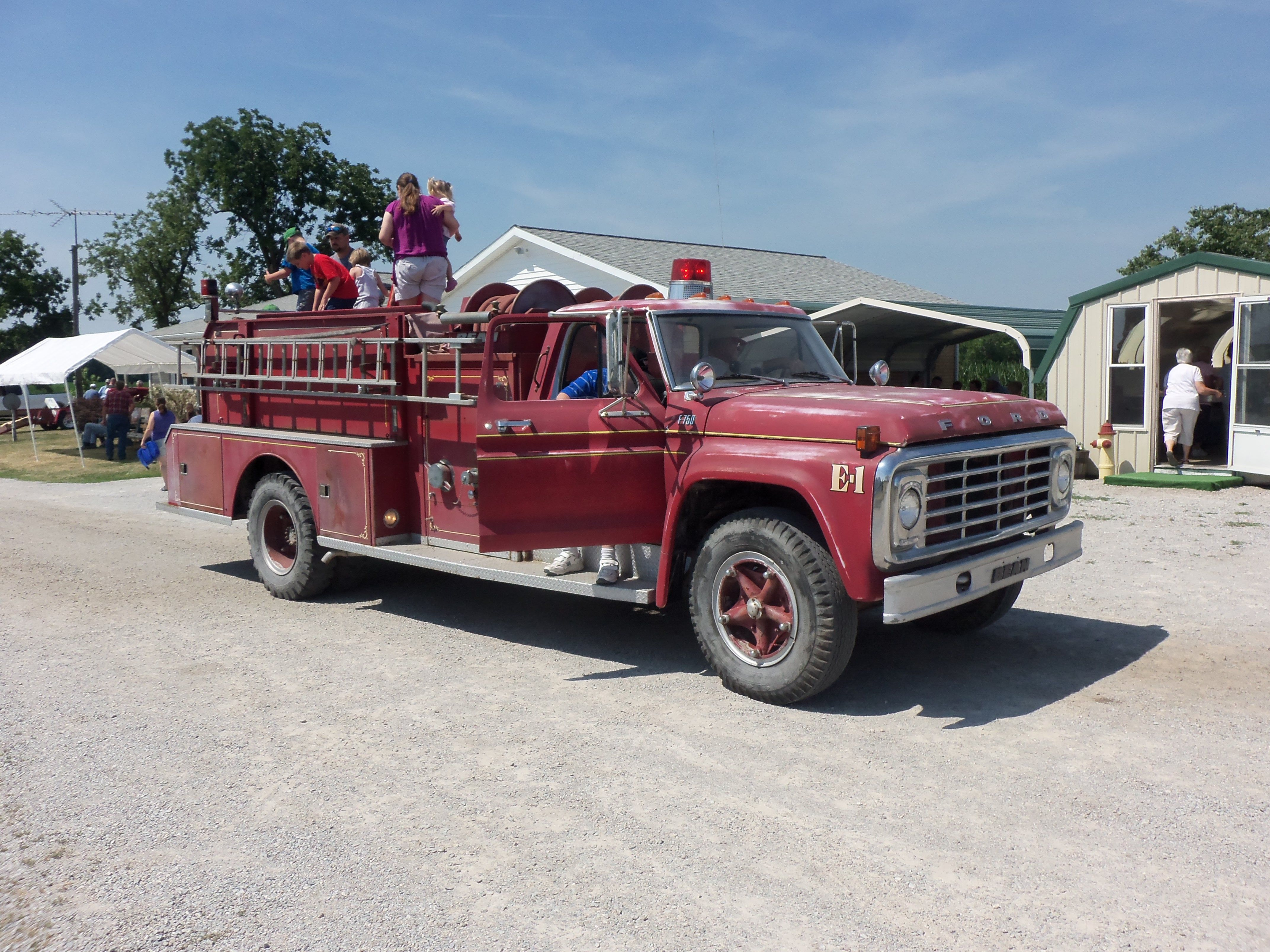 1970 ford f series fire truck fire trucks pinterest. Black Bedroom Furniture Sets. Home Design Ideas