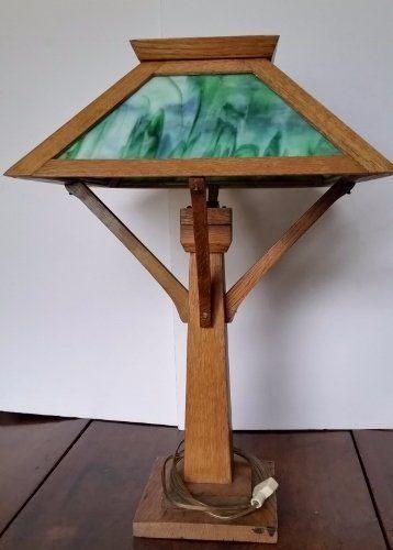 d617ecb47f863 VINTAGE MISSION ARTS   CRAFTS OAK   SLAG GLASS TABLE LAMP
