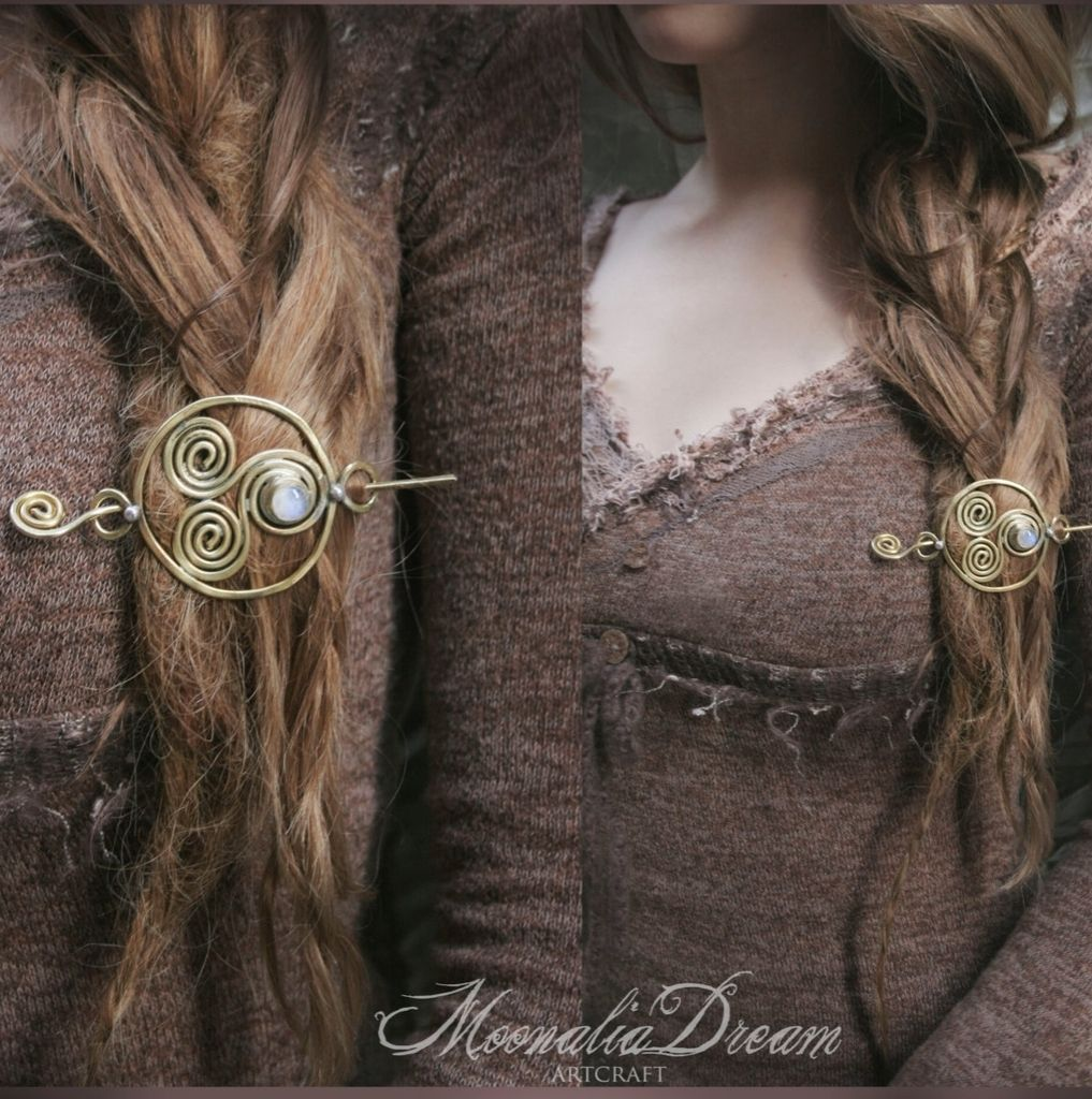 *celtic swirl* moonstone hair pin <3